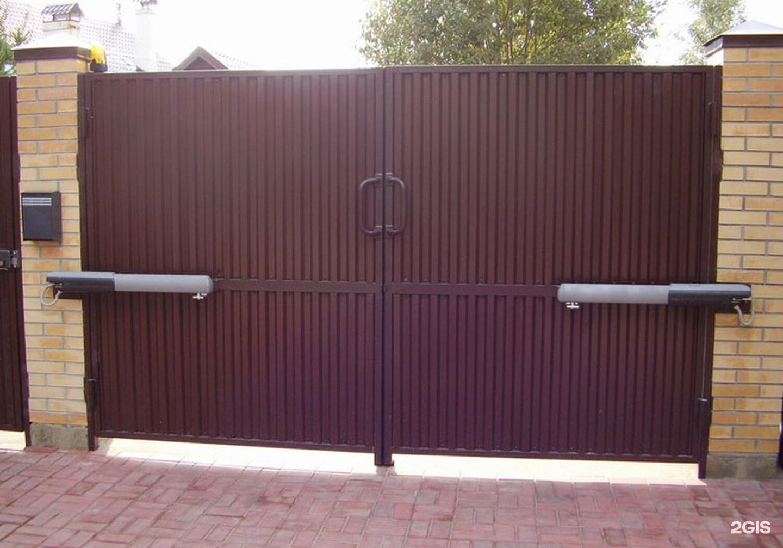 Установка распашных ворот своими руками с электроприводом