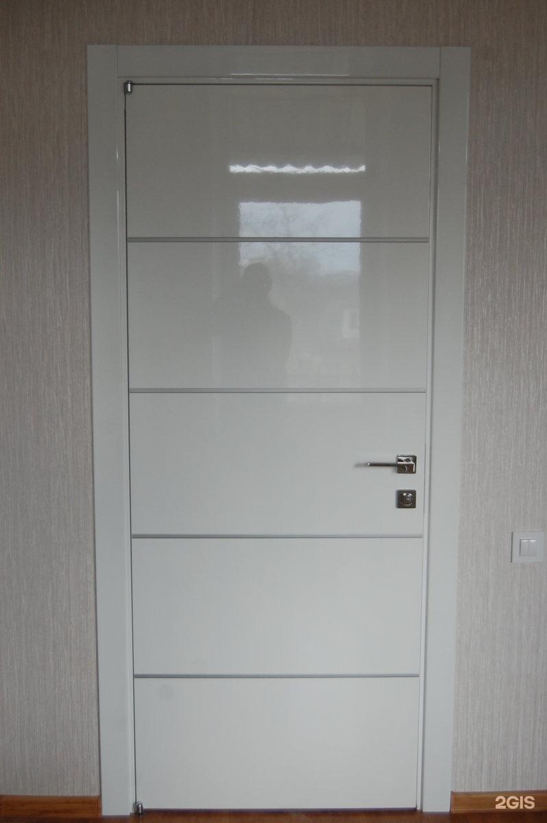 двери входные белые глянцевые