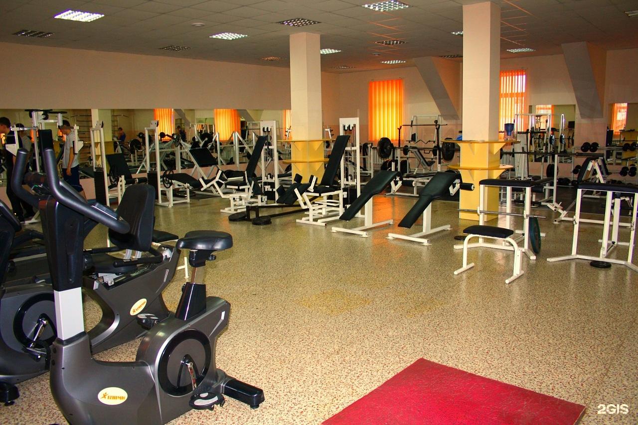 Это ведущее заведение в городе стерлитамак , предоставляющее полный комплекс фитнес и wellness программ, групповой и индивидуальный тренинг , тренажерные залы , и фитнес-бар.