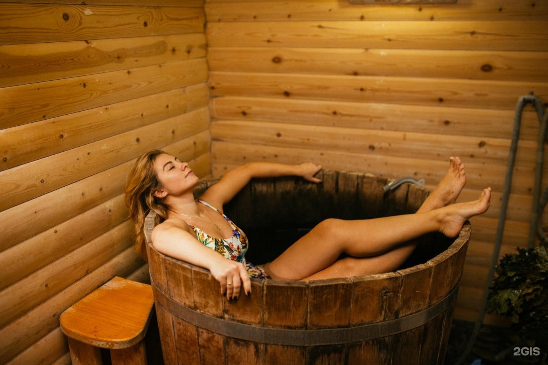 В бане только девушки фото секс огромные предметы