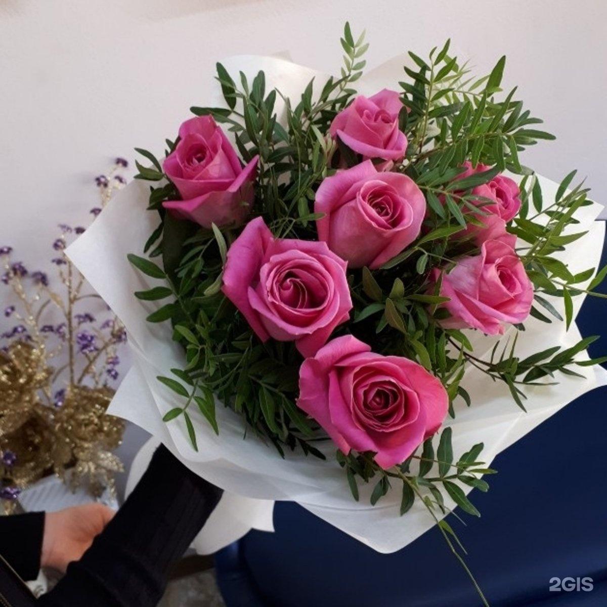 Маттиолы, букеты из уральских роз